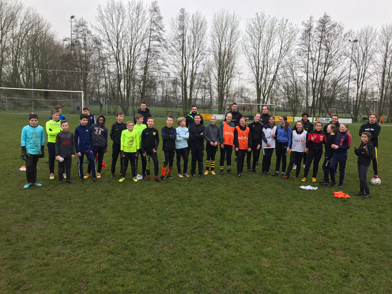 1e selectie bezorgt jeugd VV Kruiningen een topochtend!